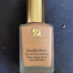 Estée Lauder Double Wear 5w1